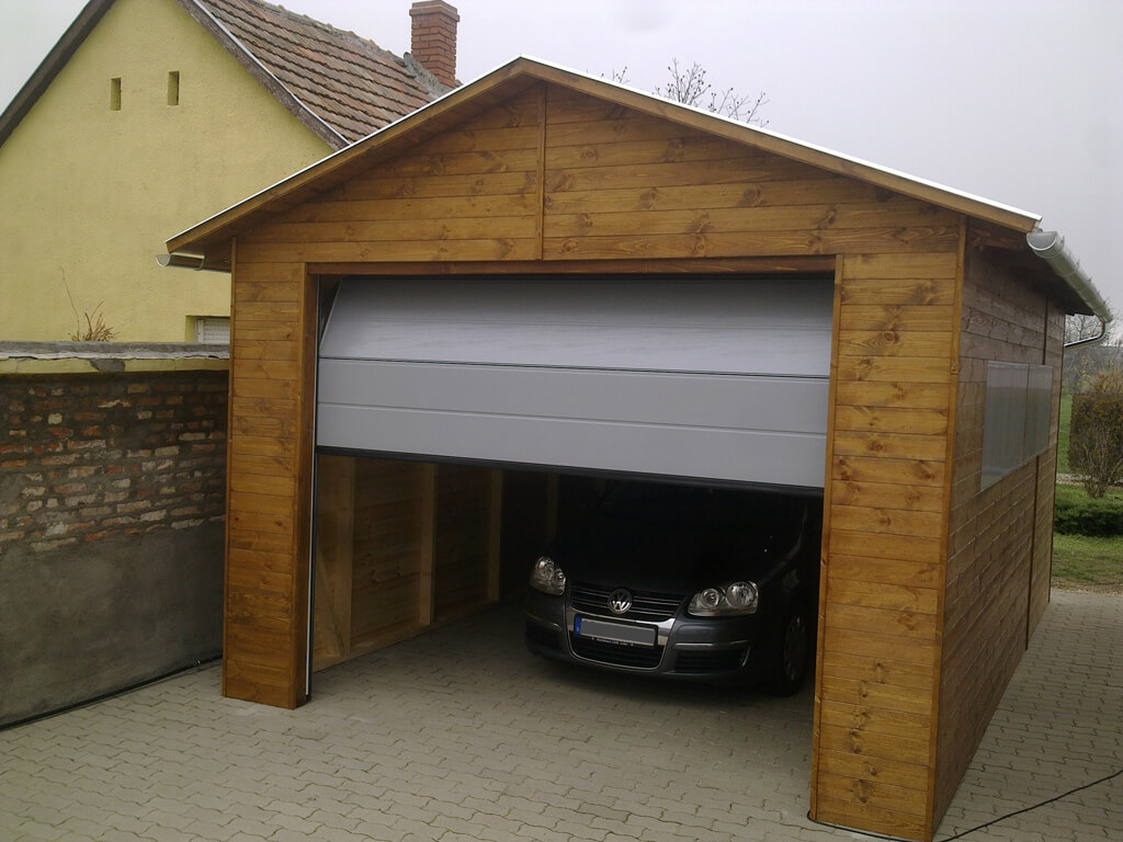 Modern fa garázs